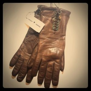 Accessories - NWT leather lace up gloves